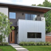 prea mult lemn si de culoare inchisa Totul devine sufocant Am casa cu stuctura aprope identica