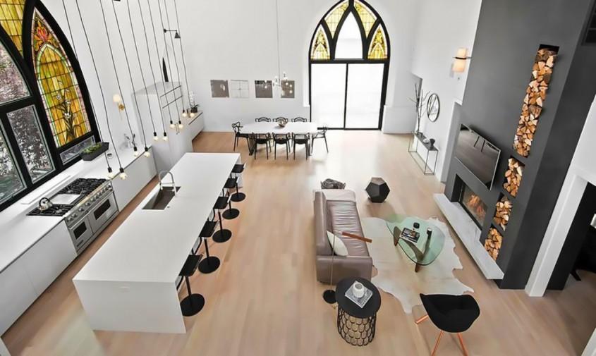 Locuinţă cu spaţii spectaculoase amenajate într-o fostă biserică