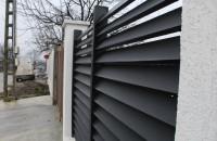 """Soluții durabile pentru amenajări exterioare - Model gard """"De Luxe"""" din profile WPC"""