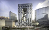 Un hotel îmbrăcat în exoschelet, unul dintre ultimele proiecte ale Zahei Hadid, a fost deschis în China
