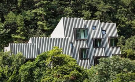 Deep House, locuinta adaptata terenului