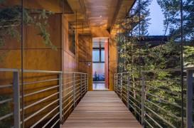 Faţada din lemn ce rezistă la exterior şi nu necesită întreţinere