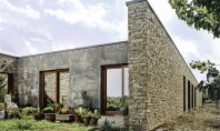 O casa intr-o podgorie din Italia Pozitionata intre o livada de aluni si o podgorie din