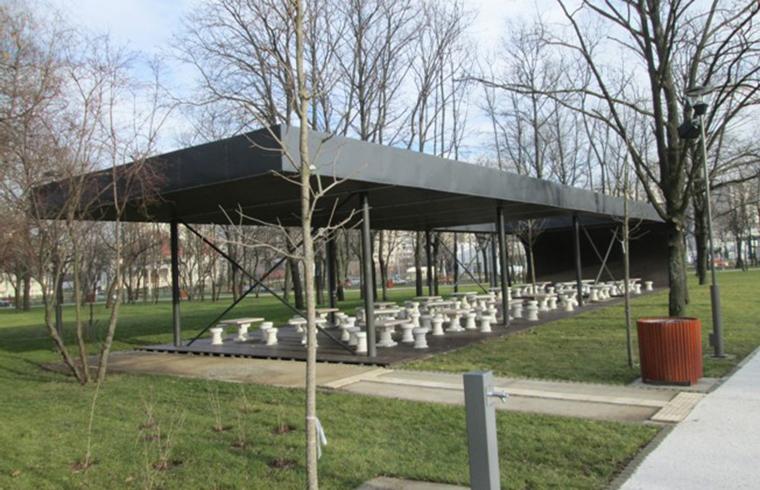 Lemnul compozit romanesc Bencomp in amenajarile exterioare din peisajul capitalei