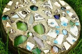 Pietre decorative pentru gradina, din tava pentru prajituri