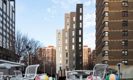 Primele fotografii după terminarea unui bloc de micro-apartamente