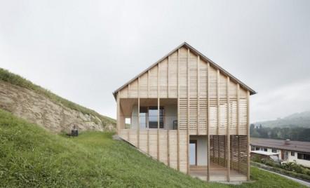 O casă din cherestea de o simplitate fermecătoare
