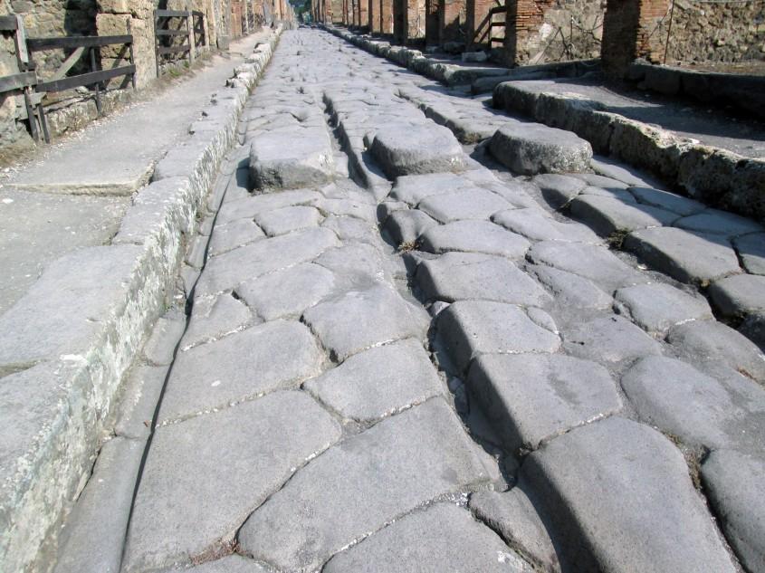 Romanii foloseau o metodă surprinzătoare pentru a repara străzile din Pompei