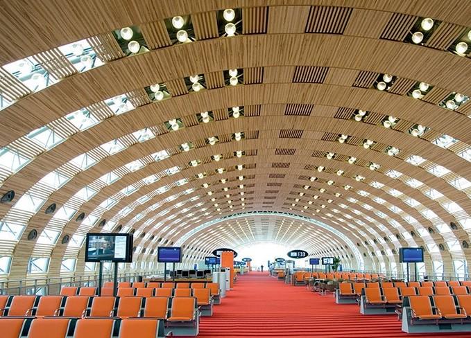Aeroportul Charles de Gaulle din Paris