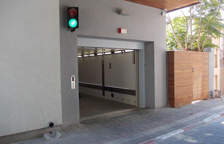 Elmas a montat ascensoare in proiecte imobiliare de 150 de milioane de euro in 2014