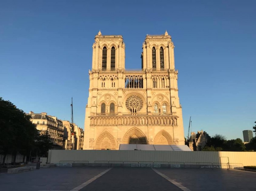 Senatul francez a decis cum va fi reconstruită Catedrala Notre-Dame
