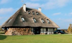 Ferestrele de mansardă FAKRO pe acoperișuri non-standard