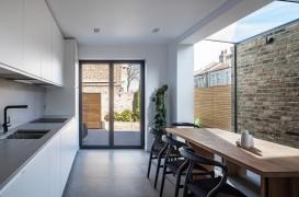 Extindere modernă a unei case vechi din nordul Londrei