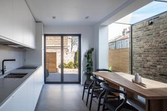O extindere modernă a unei case vechi