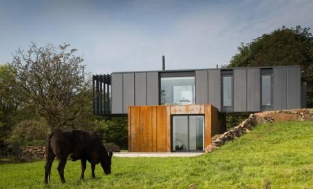 O casa reconfigurata pentru a fi construita din containere de marfa