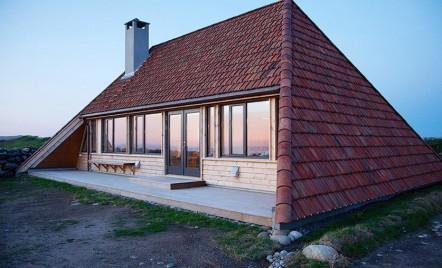 Casă norvegiană renovată în stil nou, dar și cu elemente vechi