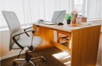 Amenajarea unui spațiu office – jaluzele sau rolete textile?