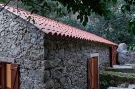 Locuinţă modernă amenajată într-o veche moară