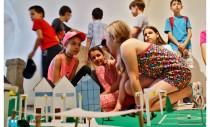 Expoziţii în toată ţara marchează sfârşitul celui de-al cincilea an şcolar De-a arhitectura