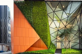 """Buzunare"" de vegetatie invioreaza o cladire de birouri"