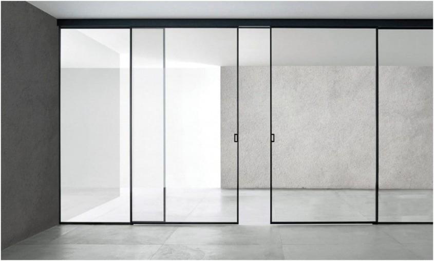 Cum să utilizați ușile glisante din sticlă pentru a compartimenta locuința?
