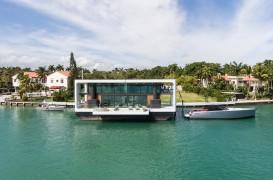 O casă plutitoare care rezistă și la uragane de categoria a patra