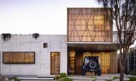Casa Torquay sanctuar de liniste si intimitate Inconjurata de lunci inverzite si ingramadita de o pereche