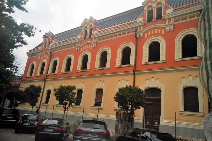 Cum arată azi Palatul Episcopal Greco-Catolic din Oradea, mistuit de flăcări acum doi ani