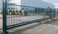 Poarta industriala culisanta DELTA de la HERAS Disponibila in trei versiuni diferite de design aceasta poarta