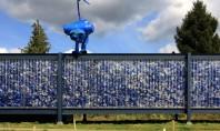 Pavilion în care deșeurile reciclabile sunt la vedere Deseurile din plastic au capatat o noua viata