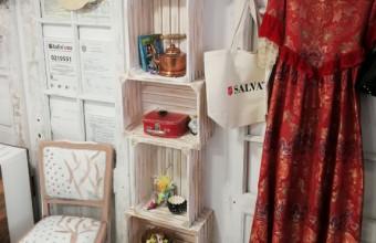 Descoperă 3 idei creative de rafturi pentru magazine de haine și alimentare