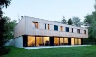 Vila Jonc, trei case intr-un singur volum Acest proiect rezidential din Geneva este compus din trei locuinte cuplate a caror arhitectura se remarca printr-o serie de elemente si dotari menite sa le asigure eficienta energetica.