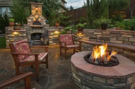 Fire pit-ul tot mai des întâlnit în grădini Cum să te bucuri de magia focului în