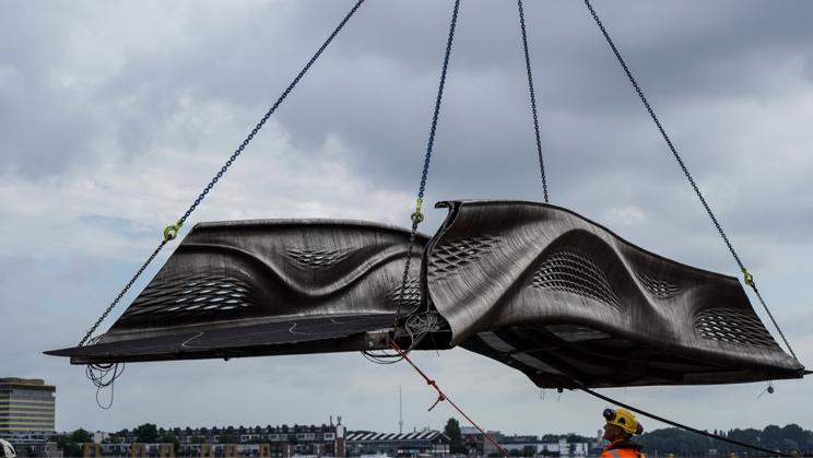 Primul pod din oţel inoxidabil printat 3D din lume a fost inaugurat la Amsterdam