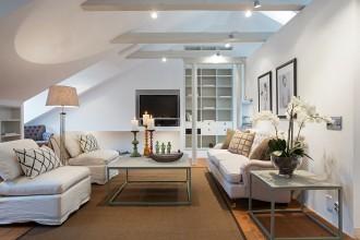 Cum decorăm tavanul înclinat al mansardei?