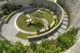 O oaza de vegetatie amenajata intr-o fosta arena