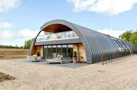 O cazarmă din Primul Război Mondial este acum o casă ecologică