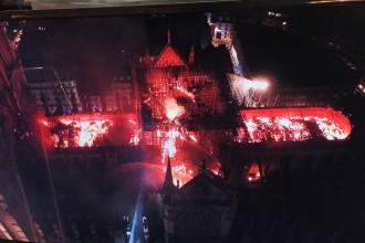 Catedrala Notre-Dame in flacari: contemporani cu mistuirea unei capodopere arhitecturale?