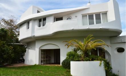 O casa care se roteste pentru a profita de soare si a se proteja