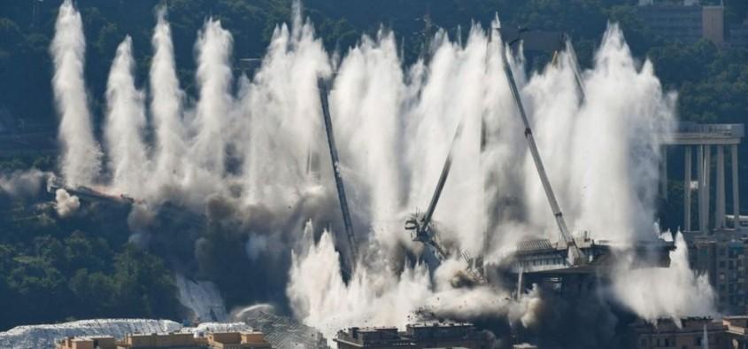 Podul Morandi a fost demolat în opt secunde (Video)