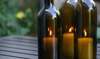 Cand sticlele de vin ajung sfesnice Sticlele si lumanarile sunt o combinatie indragita de aproape toti