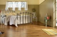 Finisaje pentru pardoseli - ce se potriveste pentru dormitor?