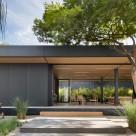 O casă eco cu tehnologii de vârf care ridică ștacheta pentru locuințele prefabricate