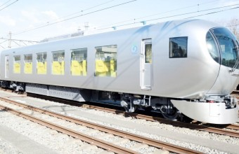 Un tren spectaculos creat de un laureat al Premiului Pritzker ca un living pe șine