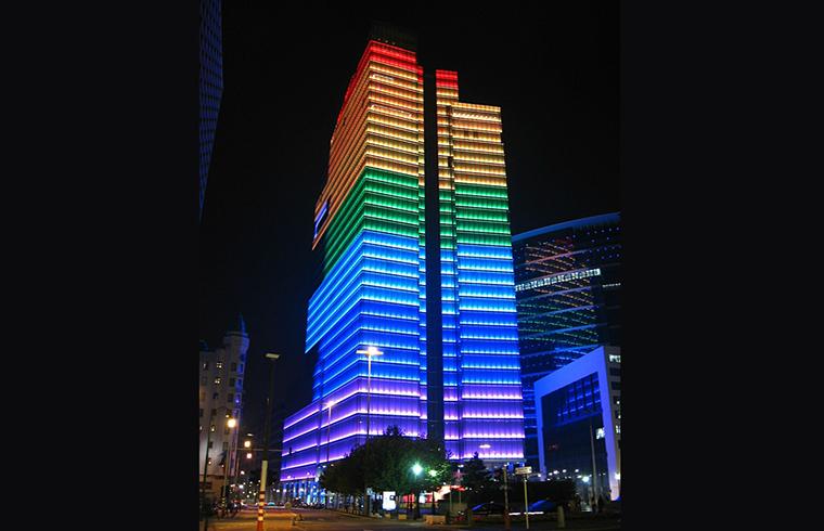 Turnul cu pixeli, la INGLASS Bucuresti