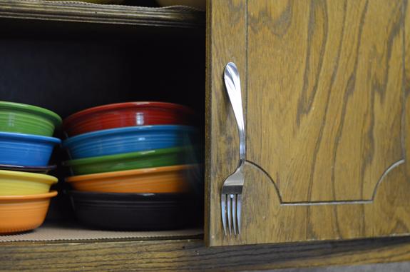 Manere pentru dulapurile din bucatarie, cu linguri si furculite