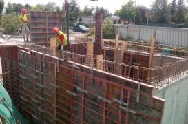 Construcția unui bazin de incendiu pentru un supermarket din Câmpina