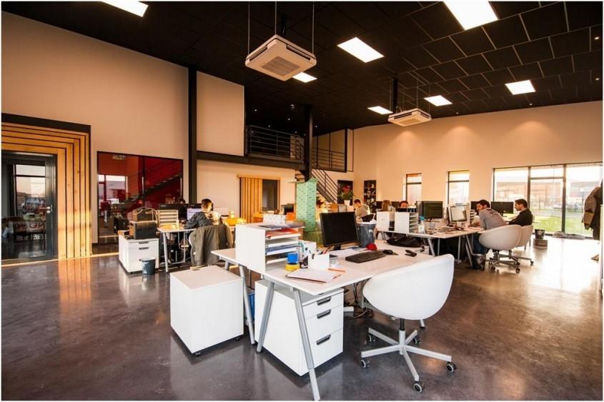 De ce să optezi pentru mobilă office pe comandă? 4 avantaje de care te bucuri