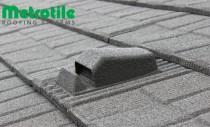 Acoperisul cu tigla metalica cu piatra naturala METROTILE se monteaza in sistem ventilat