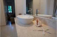 5 motive atipice pro blaturi de baie din piatră naturală